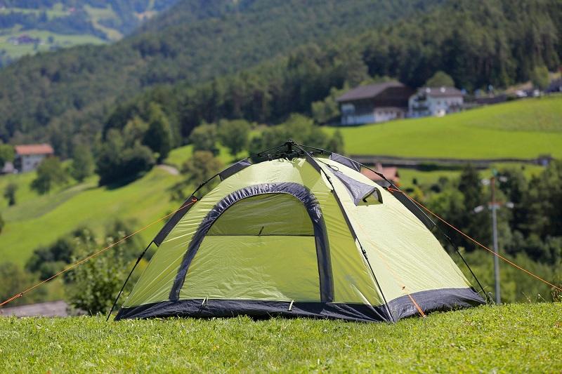 Šator je najbitnija kamping oprema bez koje ne možete ići na kampiranje