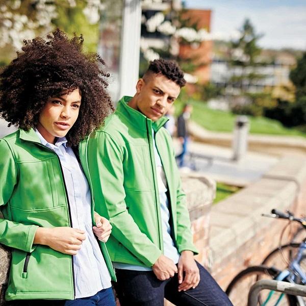 SoftShell jakne pružaju zaštitu od vjetra, kiše, niskih temperatura, ...